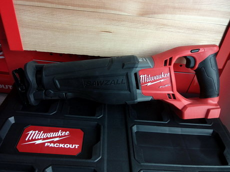 Milwaukee M18 CSX-0B Безчетков саблен трион